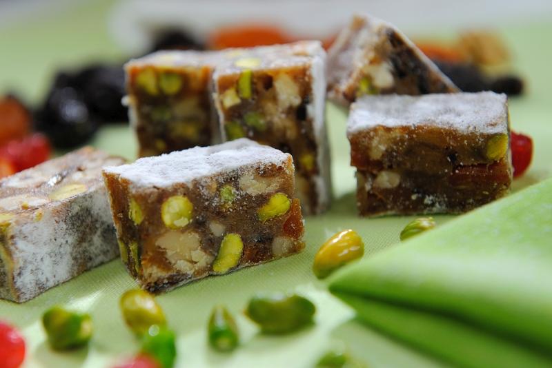 Панфорте - итальянский фруктово-ореховый десерт с фисташками и сухофруктами